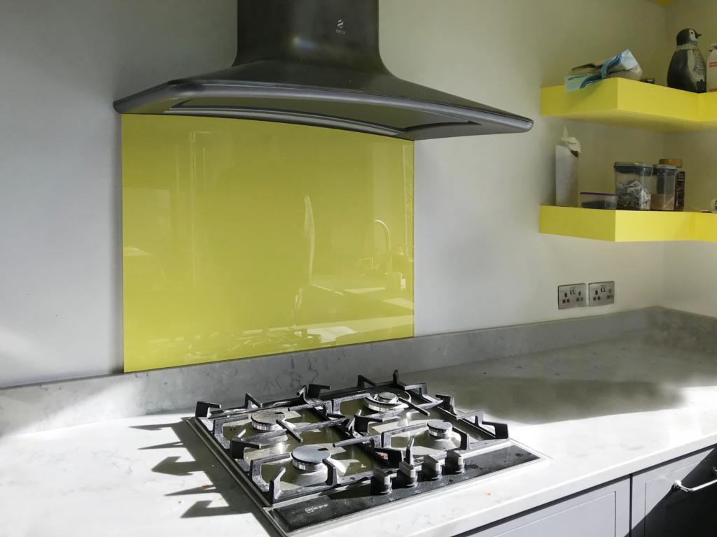 Coloured glass splashback bespoke colour match 62yy78618 kitchen