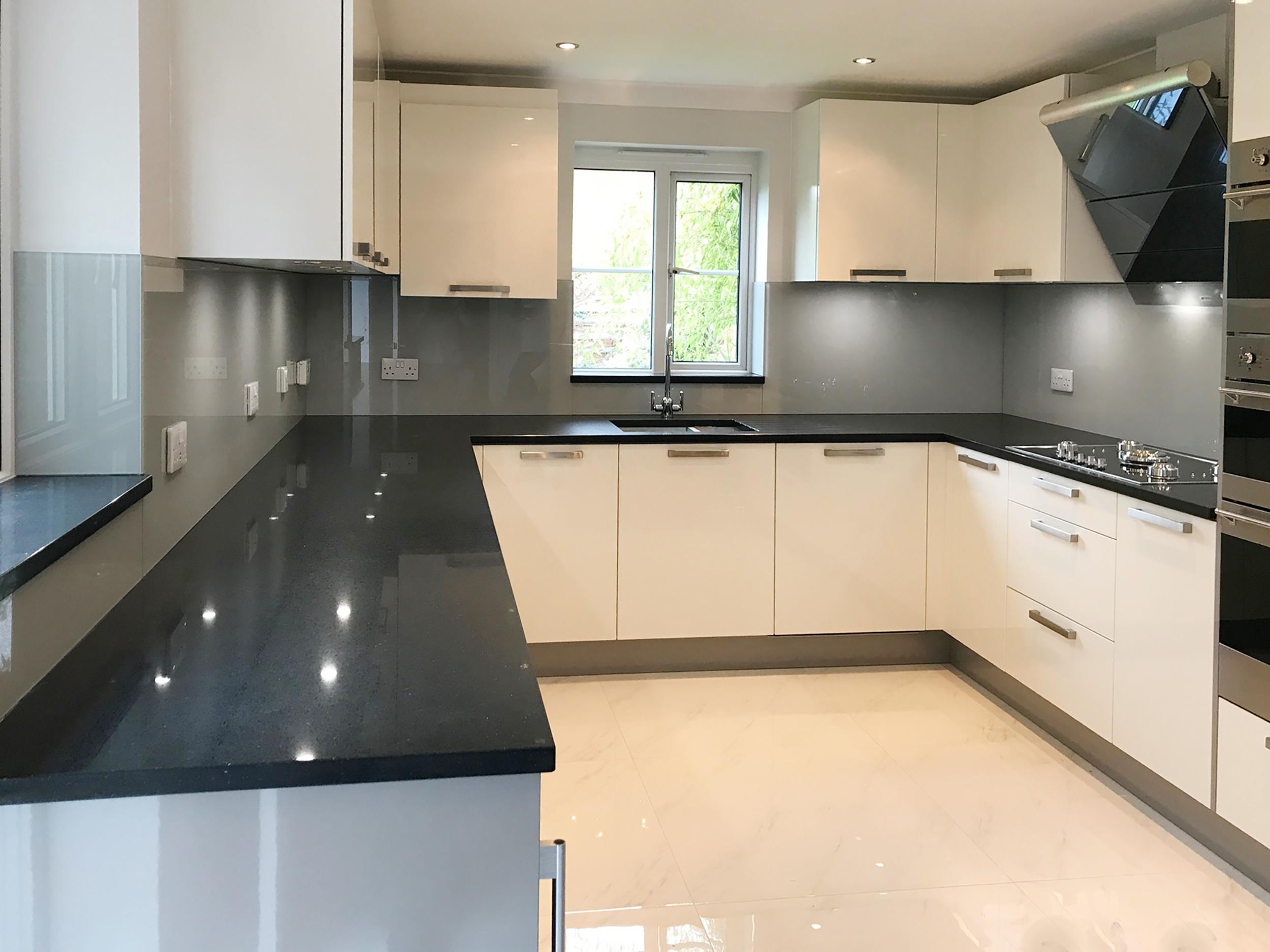Exceptionnel Pastel Coloured Glass Splashbacks Dove Grey Kitchen