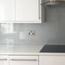 Metallic and Sparkle coloured glass splashbacks - Silver glitter glass splashbacks kitchen
