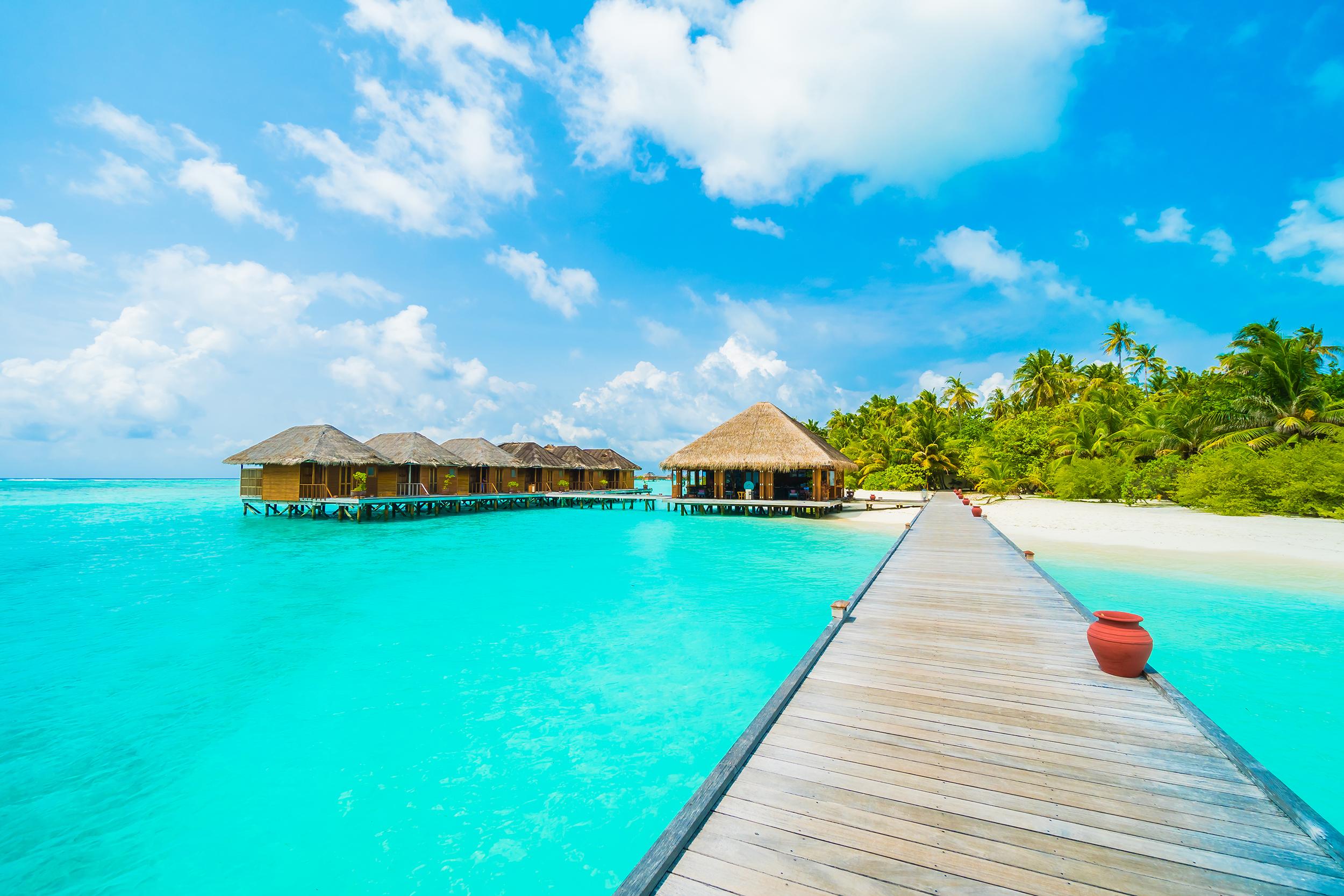 Tropical Beach Huts: Easy Glass Splashbacks